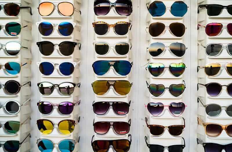 Mẫu mã của những chiếc kính secondhand cũng độc đáo hơn các loại kính trên thị trường