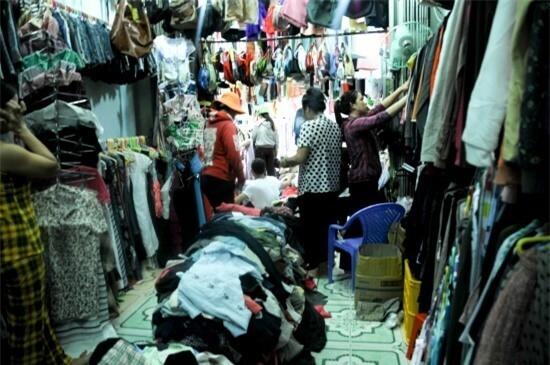 Nhật Tảo ghi điểm bởi hàng được chọn lọc kĩ, gu chọn đồ của các tiểu thương trong chợ cũng rất hiện đại