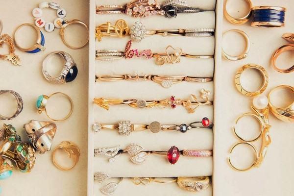 Loại hàng này không chỉ có những món trang sức hiện đại mà sẽ có cả hàng cổ