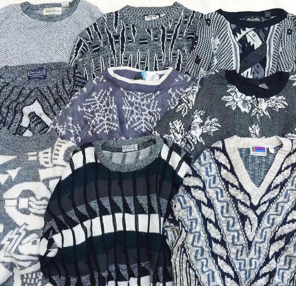 Áo sweater hàng thùng thường được gom từ khắp mọi nơi