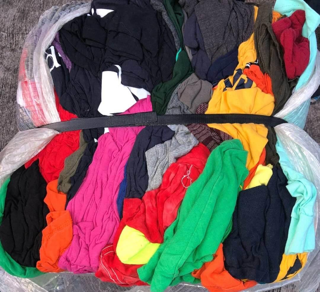 Những loại áo này đều được gom ở những thành phố thuộc hàng top về thời trang như California, New York, Seoul, Tokyo