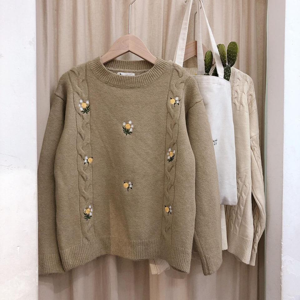 Áo len hàng thùng lại rất ấm vì được làm bằng những chất len khá mới mẻ và không có trong nước.