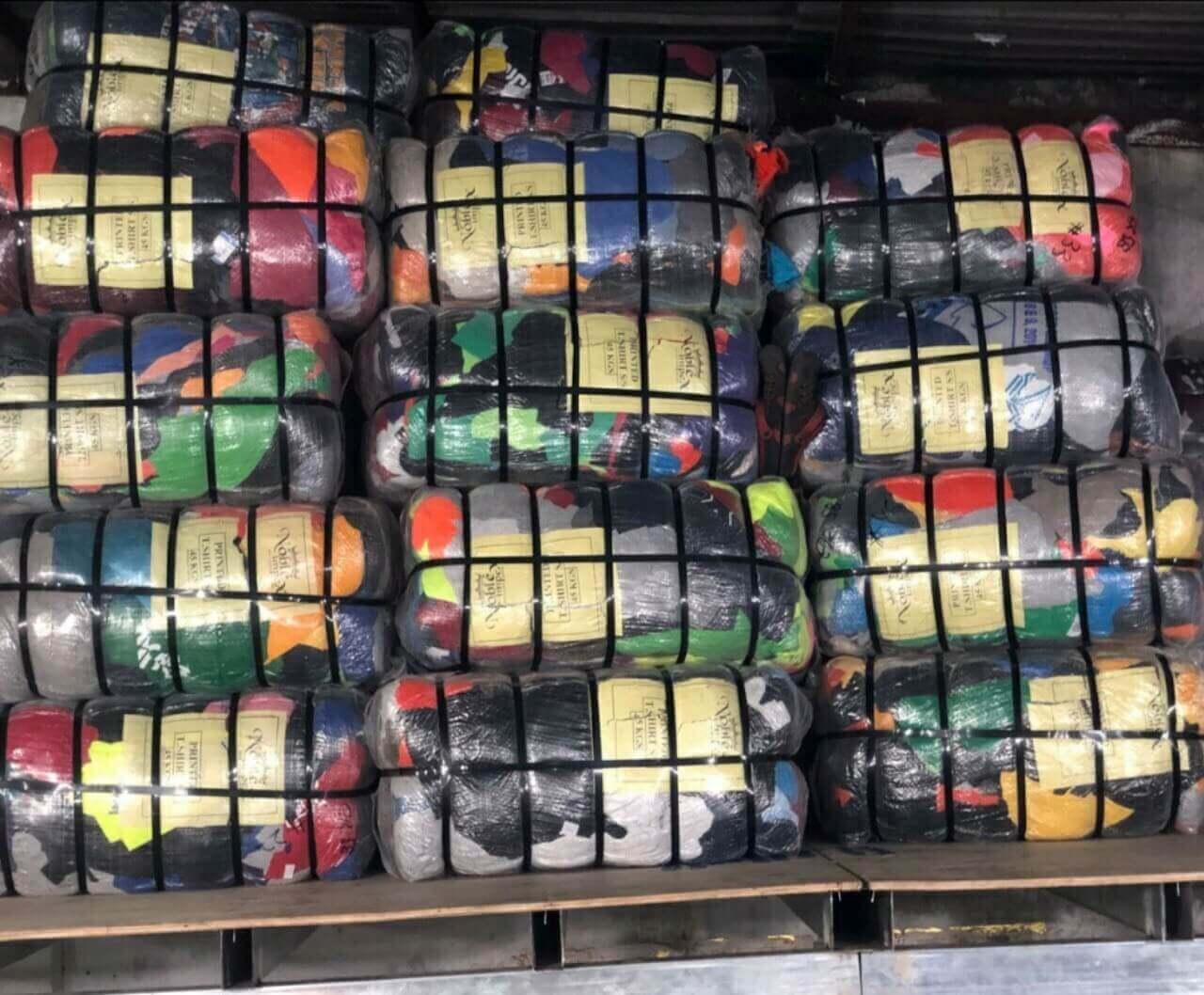 Chất lượng của áo len hàng thùng cực kì tốt, chất liệu mềm mại hơn