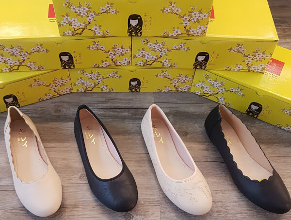 Giày công sở nữ hàng thùng là tên gọi chung cho các sản phẩm giày dép nữ với kiểu dáng và mẫu mã thanh lịch