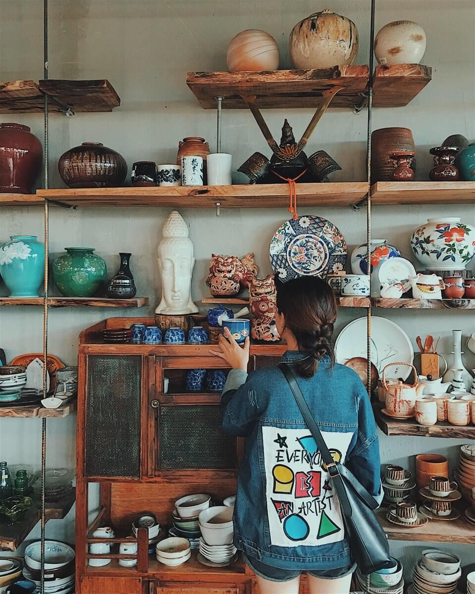 Kinh doanh gốm sứ Nhật hay còn gọi là gốm sứ hàng thùng đang là trào lưu nở rộ tại khắp các tỉnh thành trên cả nước.