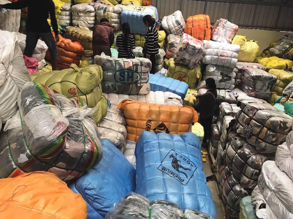 Thảm trải sàn hàng thùng mà hangkiencampuchia.com đang kinh doanh được lấy trực tiếp từ Campuchia