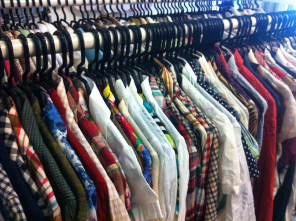 Quần áo hàng thùng tại đây được lựa chọn theo phong cách nữ tính, công sở, phù hợp với các chị em ở độ tuổi từ 24-45