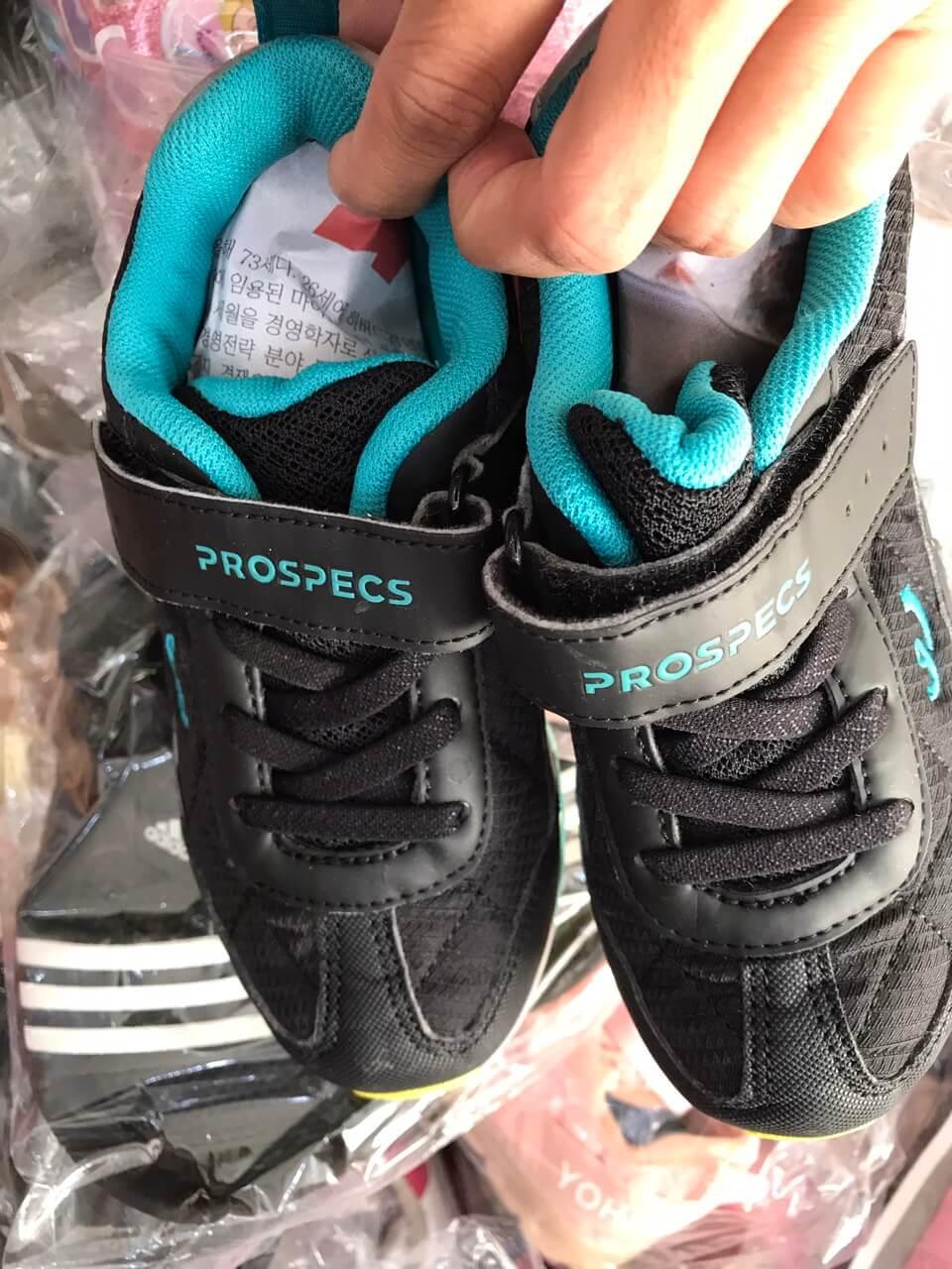 Giày thể thao trẻ em hàng 2hand