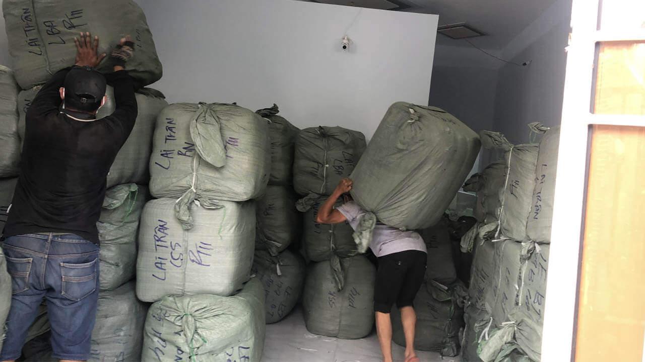 Kiện mix em bé hàng thùng Hàn, Nhật được hangkiencampuchia.com nhập nguyên kiện từ Campuchia, hàng đảm bảo được thu gom và đóng thùng tại Nhật Bản và Hàn Quốc